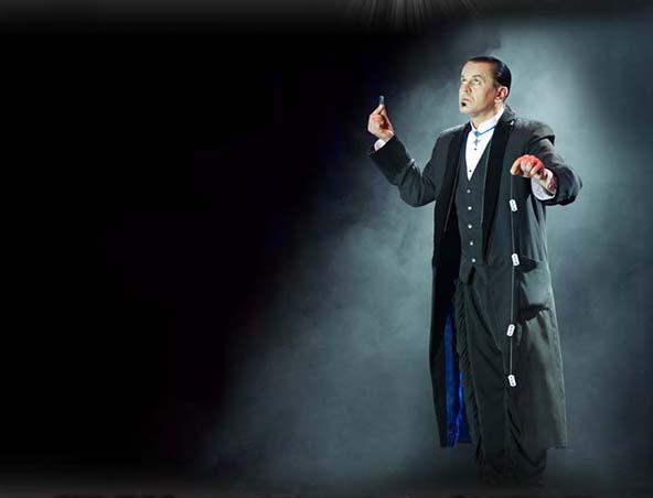 Duck Cameron Magician Melbourne - Roving Magicians