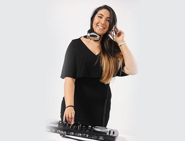 Wedding DJ Reeva - Melbourne Djs - Disc Jockey