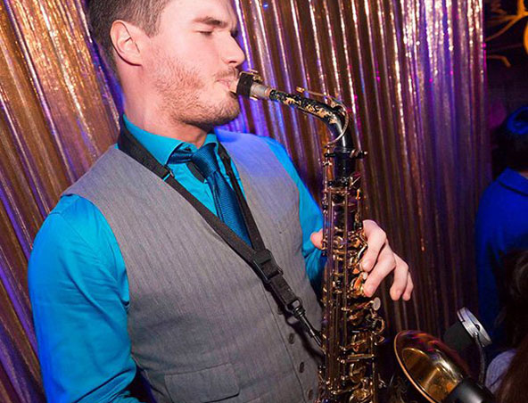 Mebourne Saxophone Player - Rob