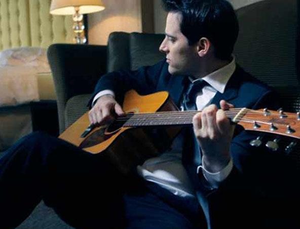 Acoustic Soloist Singer Melbourne Ron - Musician