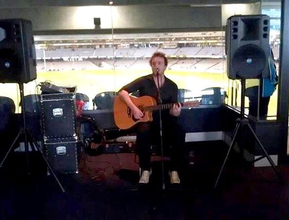 Sean Acoustic Soloist Melbourne - Singer Musicians