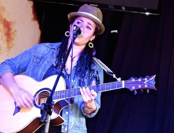 Ali Acoustic Soloist Melbourne - Singers Musicians