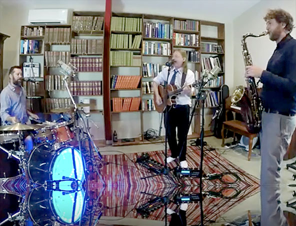 Benandi Acoustic Duo Melbourne - Singers Musicians Entertainers