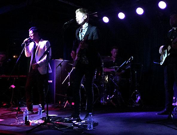 Julian Simonsz Duo Melbourne - Singers Musicians
