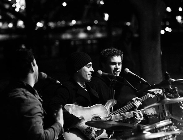 Mojo Jacket Cover Band Melbourne - Acoustic Trios - Musicians Singers